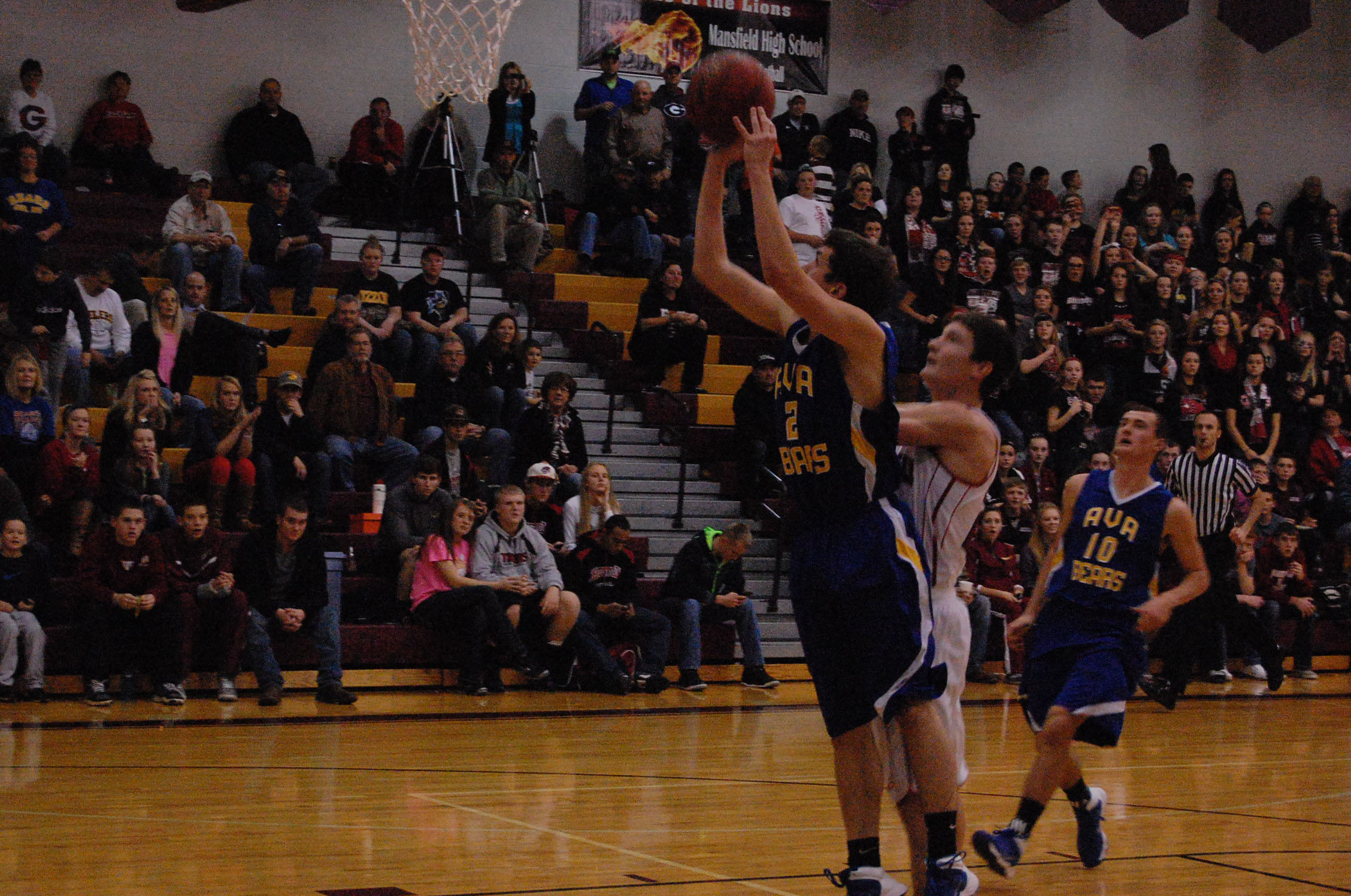 Seth Dobbs steps into the lane for an easy shot against Gainesville in the championship game of the Mansfield Tournament last Saturday night.